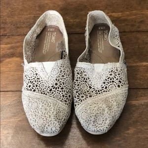 Other - Toms lace shoes